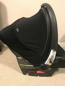 Peg Perego Infant Carseat SIP 30/30 in Licorice