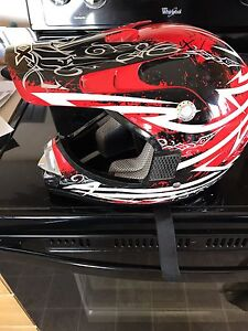 Youth helmet size small