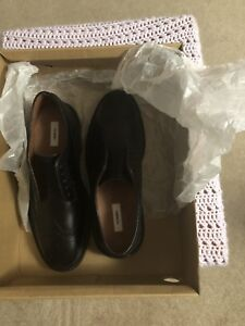 Brand New TOMMY leather Men's  Dress shoes  Size 8