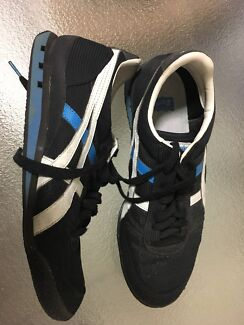 ASICS Onitsuka Tiger shoes. Size 9 1/2