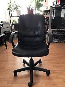 Office Rolling Chair - Moving out - Negotiable!