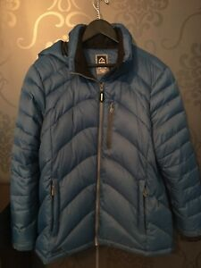 Manteau d'hiver / winter jacket $ 55