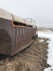22 ft Stock trailer