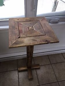 Table decorative rustique