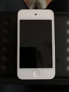 iPod Touch 32 GB with charger cable and case