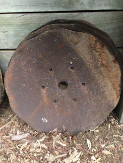 VINTAGE ANTIQUE PLOUGH DISCS  Garden art, Fire Pit, Bbq plate