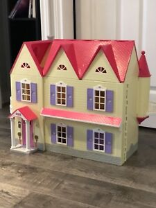 You & me happy together doll house and accessories