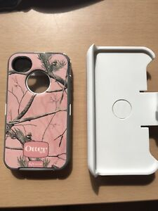 IPhone 4 otter box (4 pieces)