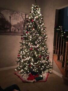 9'.5 FT Christmas tree pre lit