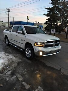 2016 Dodge Ram 1500 Laramie  Fully loaded