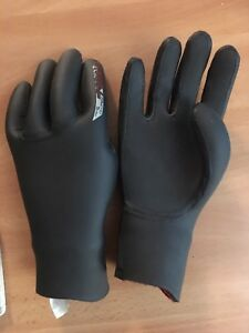 O'Neil phsyco size medium wetsuit gloves 5mm