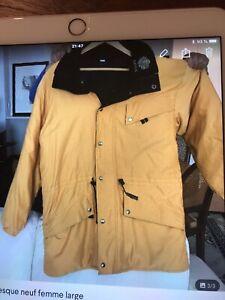 Manteau Kanuk authentic Large (16) très propre pour vente rapide