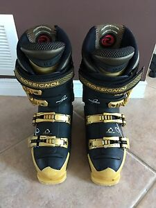 Rossignol Youth Adult Ski Boots size 24.5