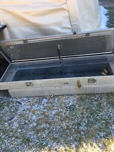 Tool box for 5.5 foot wide truck bed!!! Price drop!!!!