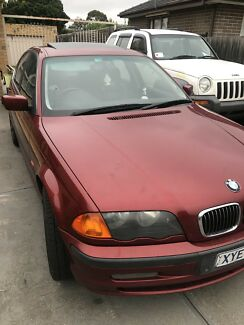 2 CARS BMW 323i e 46   1999  maroon it's register