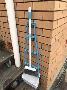 Broom and rubish catcher Windsor Brisbane North East Preview