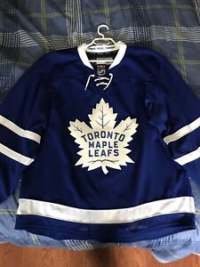 Toronto Maple Leafs Authentic Jersey - size 50