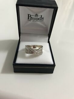Wanted: Sterling silver ribbon shaped ring