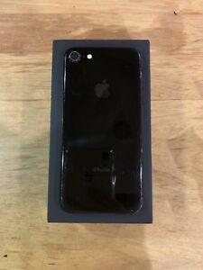 iPhone 7 128gb Black with TWO Morphie charging cases