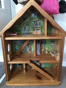 Wooden dolls house and furniture Parrearra Maroochydore Area Preview