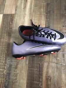 Youth Size 4.5 NIKE soccer cleats