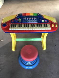 Kids piano good condition with stool