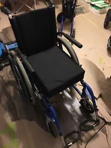 Quickie 2 wheelchair, in great shape!