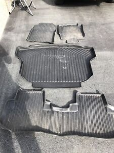 2016 Honda CR v winter mats and trunk tray