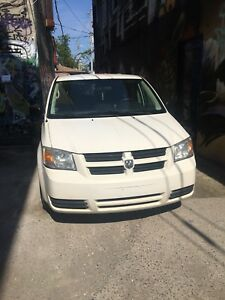 2009 Dodge Caravan Stow & go 221k  as is or can certify