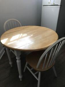 Ensemble table ronde à rabats et chaises