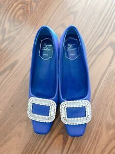 Roger Vivier pumps with crystal buckle blue 45mm