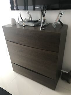 Solid wood king size bedroom suite