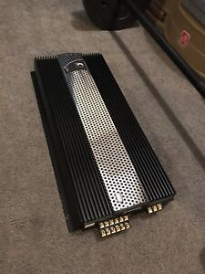 ^** KICKER COMPETITION 6 CHANNEL AMPLIFIER 2400 WATTS MAX !!!