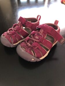 Size 4T Keen Sandals