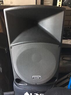 Mackie Thump Powered Speakers x2