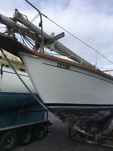 Allied Seawind Sailboat ketch 1970, 30 ft 5 in