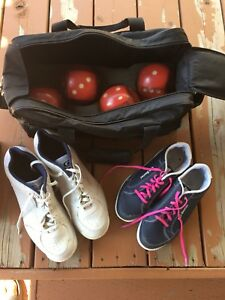 Bowling shoes, balls and carrying bag for sale