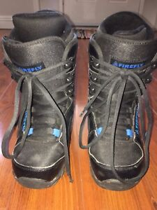 Size 4 JUNIOR Snowboarding boots