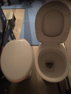 Toilet x2