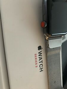 Apple watch serie 3 GPS Cellulaire 42mm bracelet en milanese