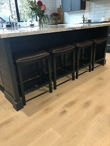 Reduced - 4 high quality stools
