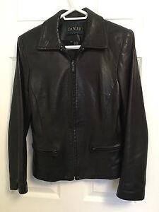 Danier ladies leather jacket