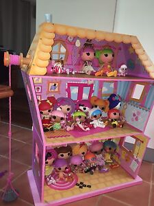 La La Loopsy HUGE wooden doll house & 21 dolls Emu Plains Penrith Area Preview