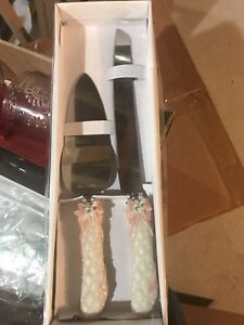 Cake knife set and wedding pen with stand