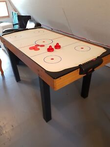 Vintage Air Hockey Table