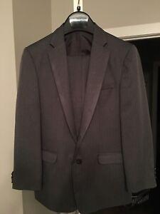 *** Perry Ellis Size 18 Boys Suit ***