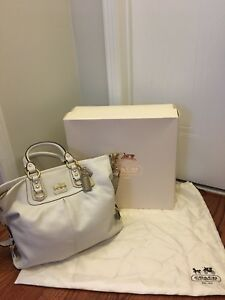 Authentic Coach White Messenger Bag