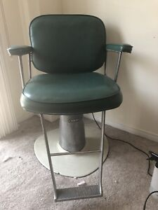 Barber / hairstylist chair