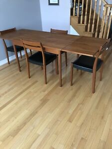 Designer Teak Mid Century Modern Danish Chairs & Dining Table