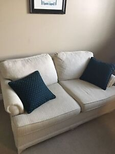 Perfect condition pull out loveseat! Make me an offer!